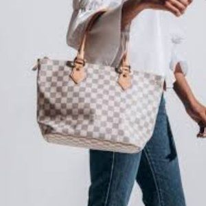 Auth Louis Vuitton Saleya Pm Shoulder #4051L43B
